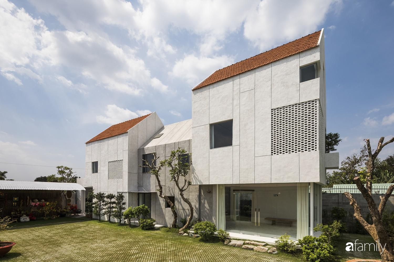 """Nhà ngoại ô ở ngoại ô Sài Gòn """"góp nhặt"""" tất cả vẻ đẹp của kiến trúc đương đại - Ảnh 4."""