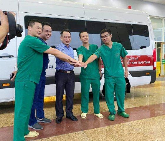 4 y bác sĩ BV Nhiệt đới TW lên đường 'giải cứu' công dân Việt từ Guinea Xích đạo - Ảnh 2.