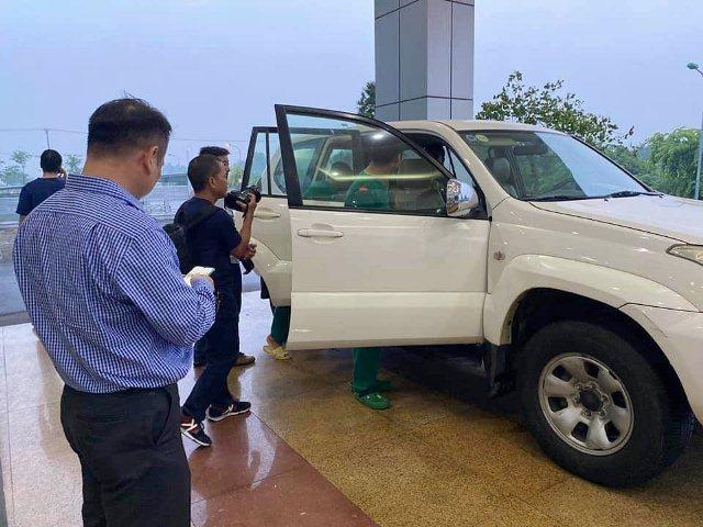 4 y bác sĩ BV Nhiệt đới TW lên đường 'giải cứu' công dân Việt từ Guinea Xích đạo - Ảnh 8.