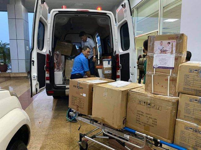 4 y bác sĩ BV Nhiệt đới TW lên đường 'giải cứu' công dân Việt từ Guinea Xích đạo - Ảnh 6.