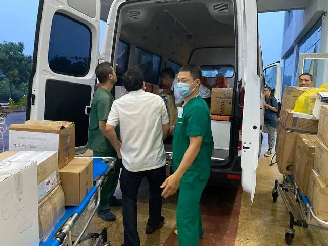 4 y bác sĩ BV Nhiệt đới TW lên đường 'giải cứu' công dân Việt từ Guinea Xích đạo - Ảnh 4.
