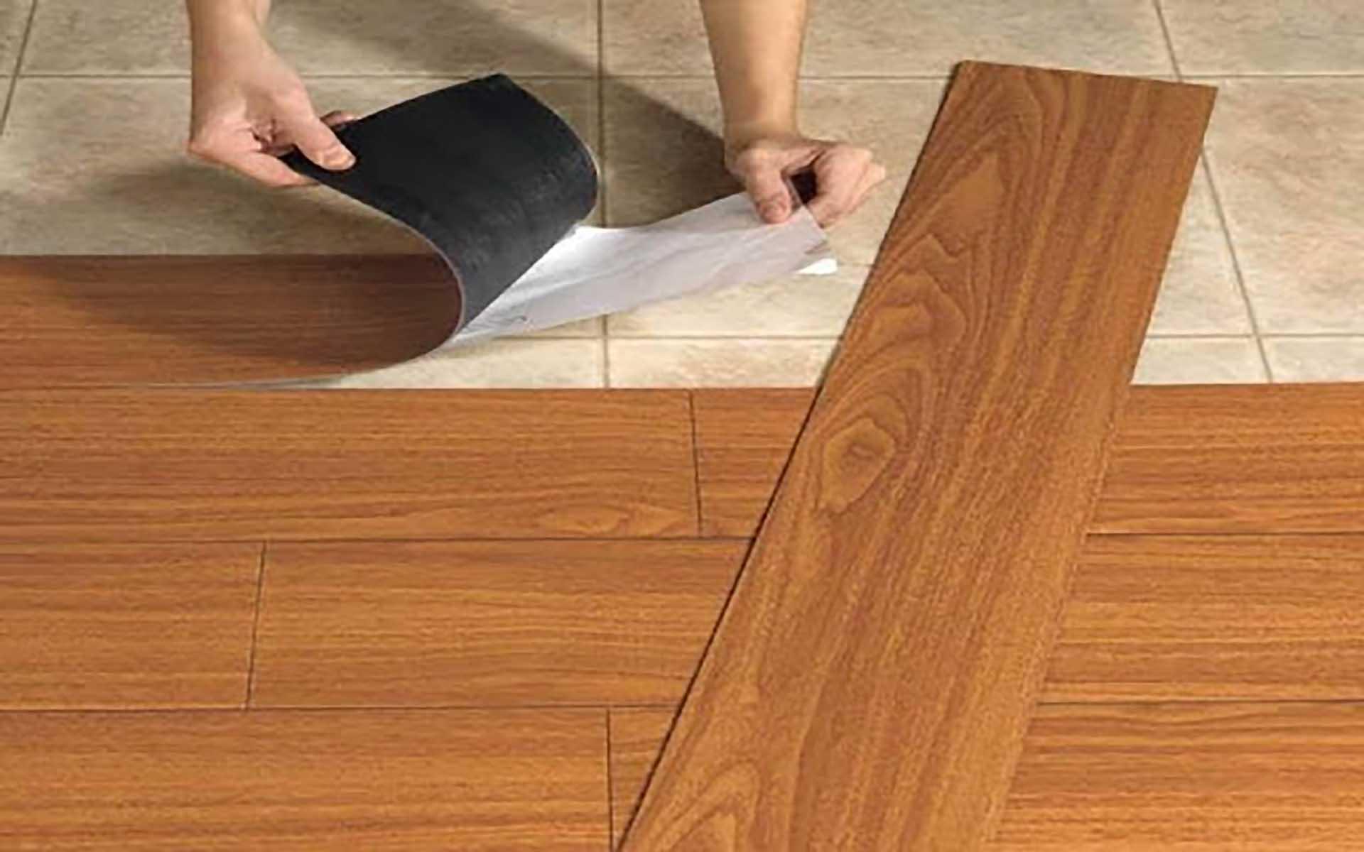 """""""Vểnh tai"""" nghe cô nhân viên bán sàn gỗ lâu năm phân tích ưu, nhược điểm của từng loại, nên và không nên mua loại sàn nào? - Ảnh 4."""