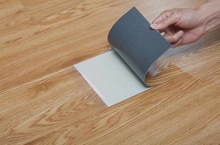 """""""Vểnh tai"""" nghe cô nhân viên bán sàn gỗ lâu năm phân tích ưu, nhược điểm của từng loại, nên và không nên mua loại sàn nào? - Ảnh 3."""