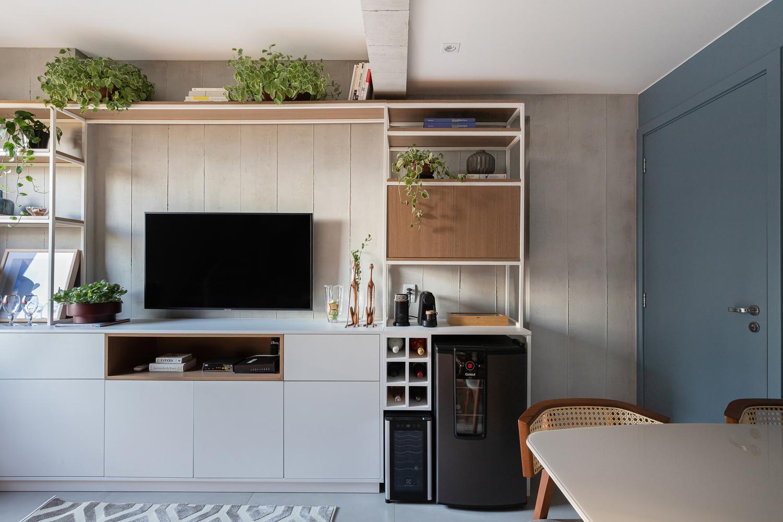 Căn hộ 44m² với tông màu gỗ xám đẹp vượt thời gian ai ngắm cũng mê - Ảnh 3.