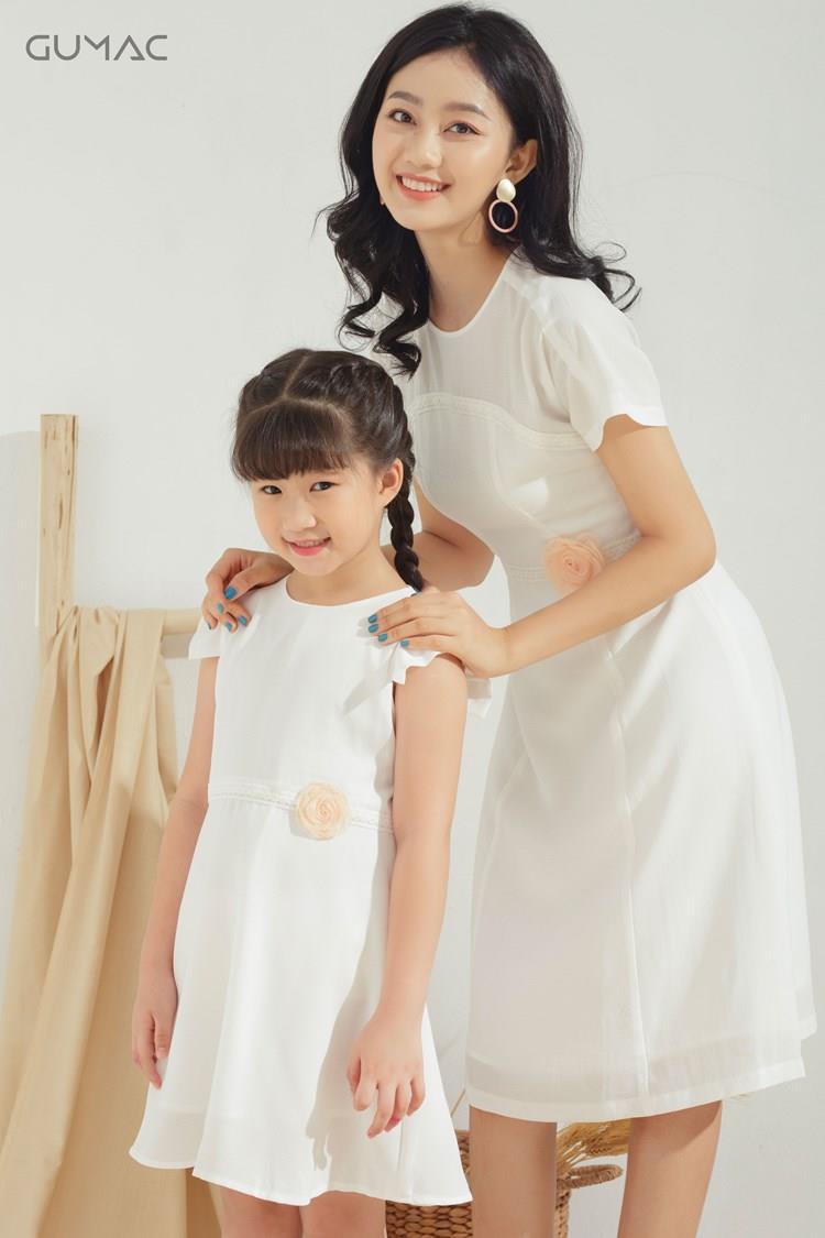 Bí quyết diện đồ đôi cực xinh cho mẹ và bé, thỏa sức tận hưởng mùa hè sôi động - Ảnh 2.