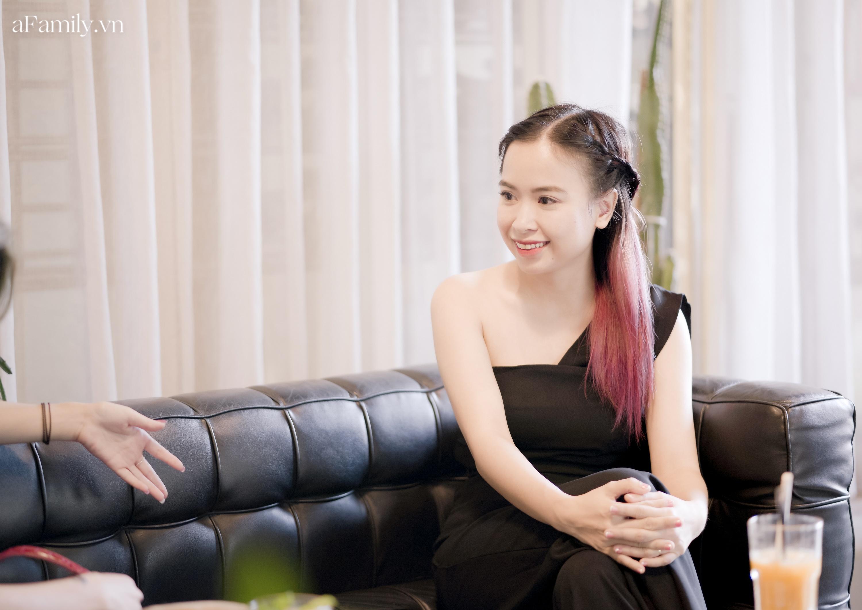"""Đinh Khánh Ly - nữ giám đốc kiêm cô giáo dạy đàn cho trẻ tự kỷ: """"Ở bên ngoài là ai hay quyền lực ra sao không quan trọng, chỉ muốn được làm mẹ bé Bơ thôi!"""" - Ảnh 6."""