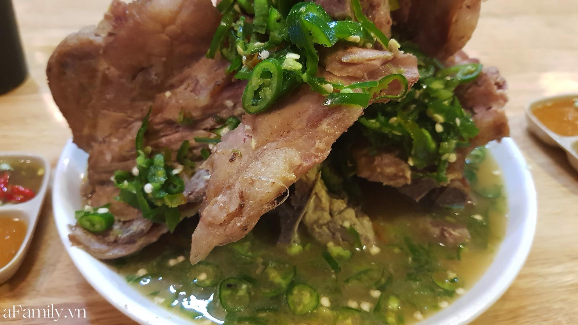 """Dân mạng chê quán ăn tại Hà Nội có món sườn cay khổng lồ phong cách Thái Lan """"đượm mùi tủ lạnh"""", vậy còn thực tế ra sao, liệu có như lời đồn? - Ảnh 8."""