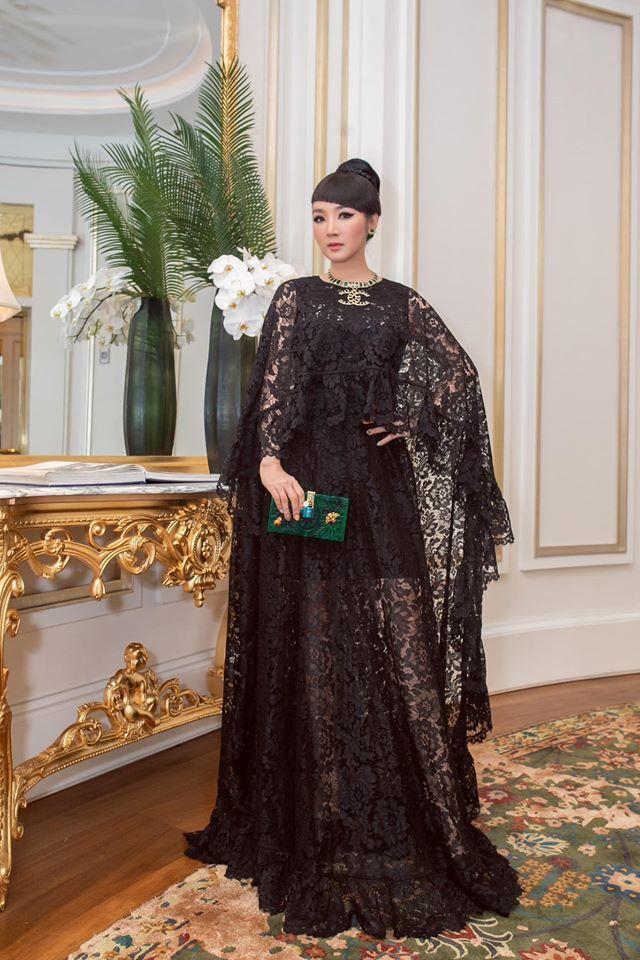 Chẳng ngờ có ngày Phượng Chanel lại lấn lướt HH Giáng My khi đụng hàng, chứng minh: Lên đồ cầu kỳ chưa chắc đã tốt - Ảnh 1.