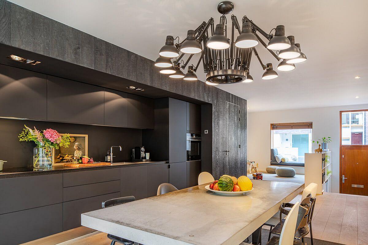 """Ngôi nhà """"biến hình"""" đẹp bất ngờ sau cải tạo, nhìn vào nội thất đơn giản chỉ đủ dùng khiến ai cũng phải ấn tượng đến há hốc mồm - Ảnh 4."""