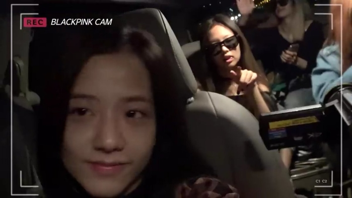 Soi mặt mộc đàn idol Hàn: Twice gây bất ngờ lớn, Jisoo đẹp bất chấp cả camera thường - Ảnh 5.