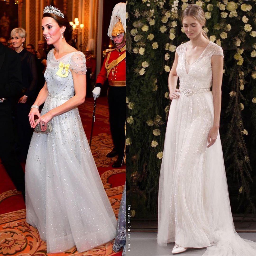 Công nương Kate bao lần diện váy còn sang hơn cả mẫu gốc: Đẳng cấp nữ hoàng tương lai là đây chứ đâu - Ảnh 6.