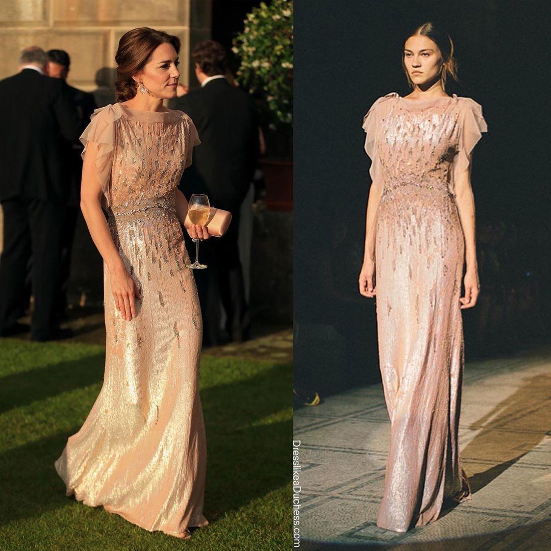 Công nương Kate bao lần diện váy còn sang hơn cả mẫu gốc: Đẳng cấp nữ hoàng tương lai là đây chứ đâu - Ảnh 3.