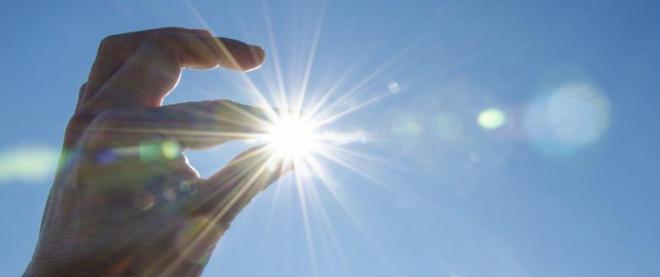 Đừng ngược đãi làn da - Hãy bảo vệ da bằng cách bôi kem chống nắng ngay từ hôm nay - Ảnh 1.