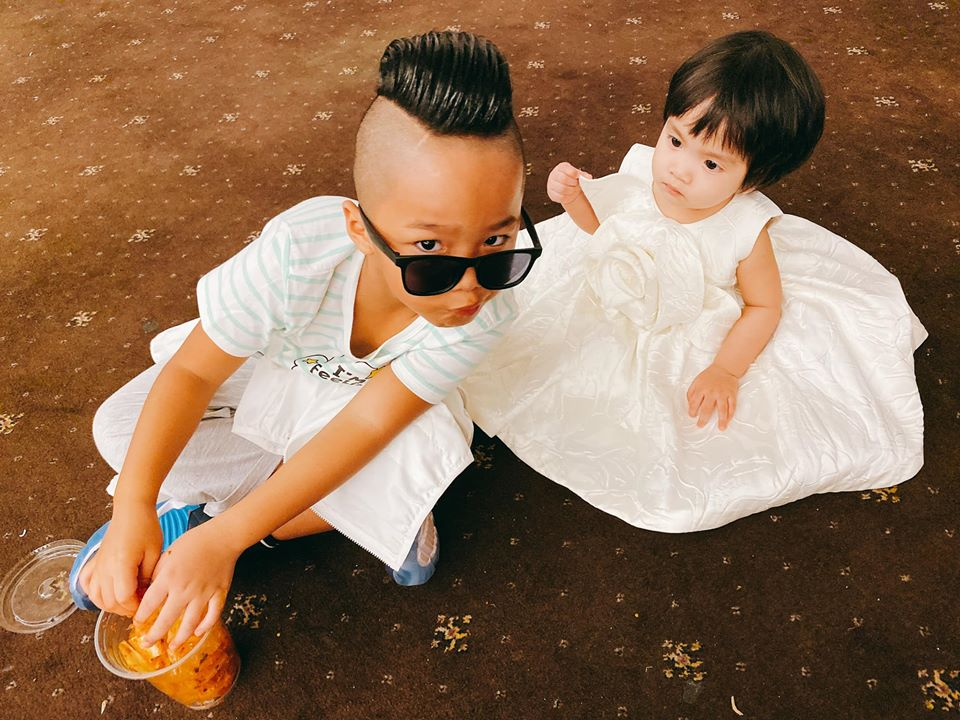 Đỗ Mạnh Cường bế con gái thứ 2 MyMy, cười mãn nguyện khi thấy con trai Nhím catwalk cực ngầu trên sân khấu VJFW 2020 - Ảnh 4.