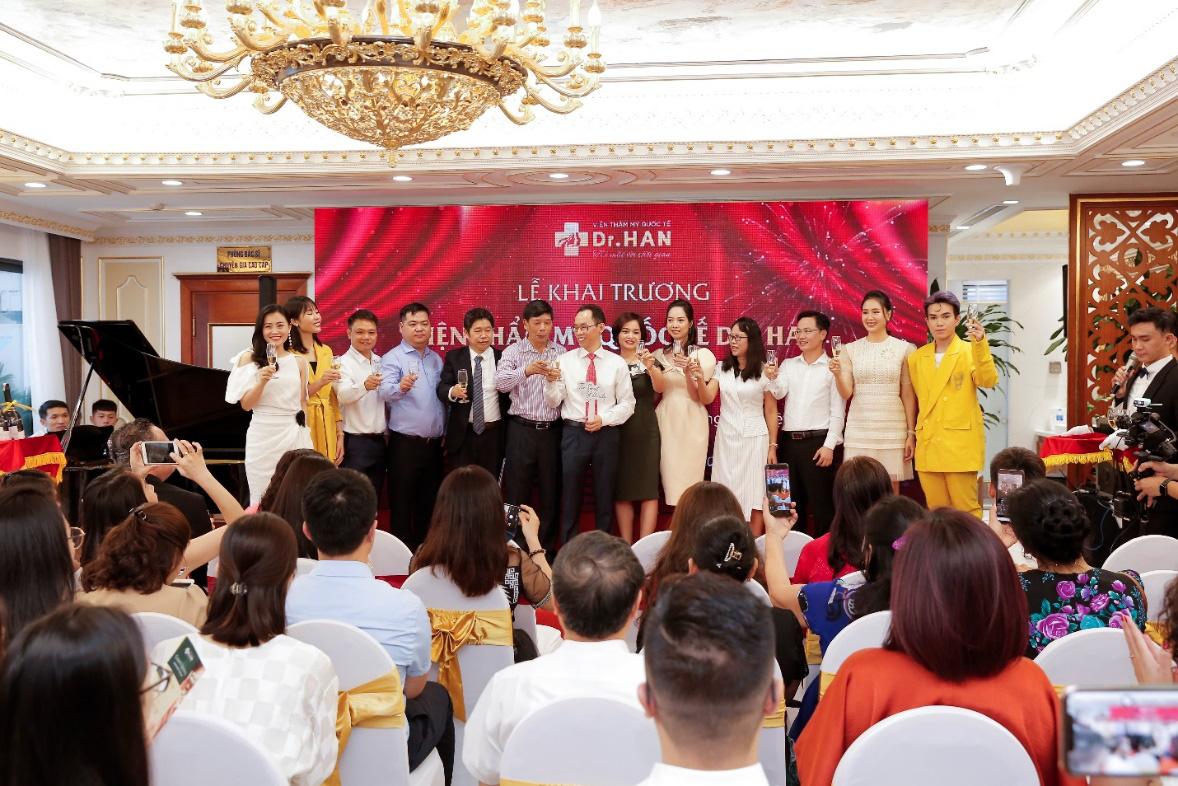 Bùng nổ khuyến mãi trong tuần lễ ra mắt Dr.Han - Ảnh 3.