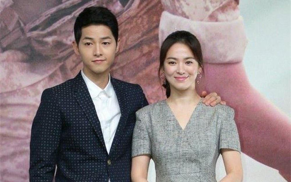 """Vụ ly hôn của Song Hye Kyo và Song Joong Ki bất ngờ bị """"đào mộ"""", lộ thông tin gì mà khiến fan """"khẩu chiến"""" gay gắt?"""