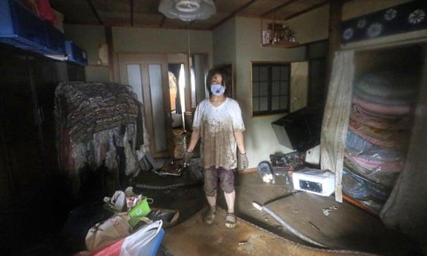 Trung Quốc: Mưa lớn xối xả, Vũ Hán mênh mông nước lụt - Ảnh 7.