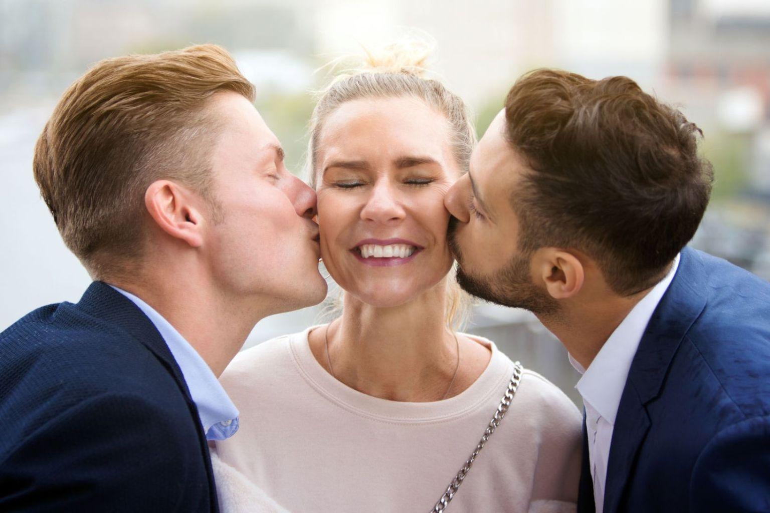 Thành phố Mỹ cho phép chị em lấy bao nhiêu chồng cũng được - Ảnh 2.