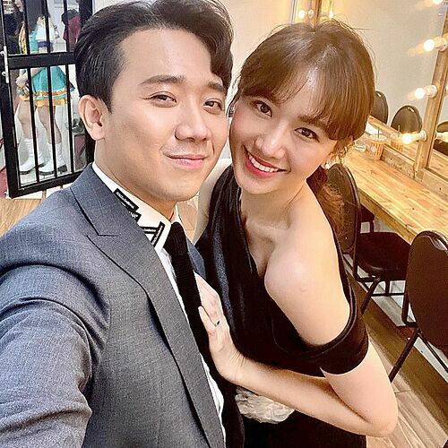 Hari Won tự nhận đã già khi lớn hơn chồng 2 tuổi, Trấn Thành hứa phụng dưỡng vợ - Ảnh 2.