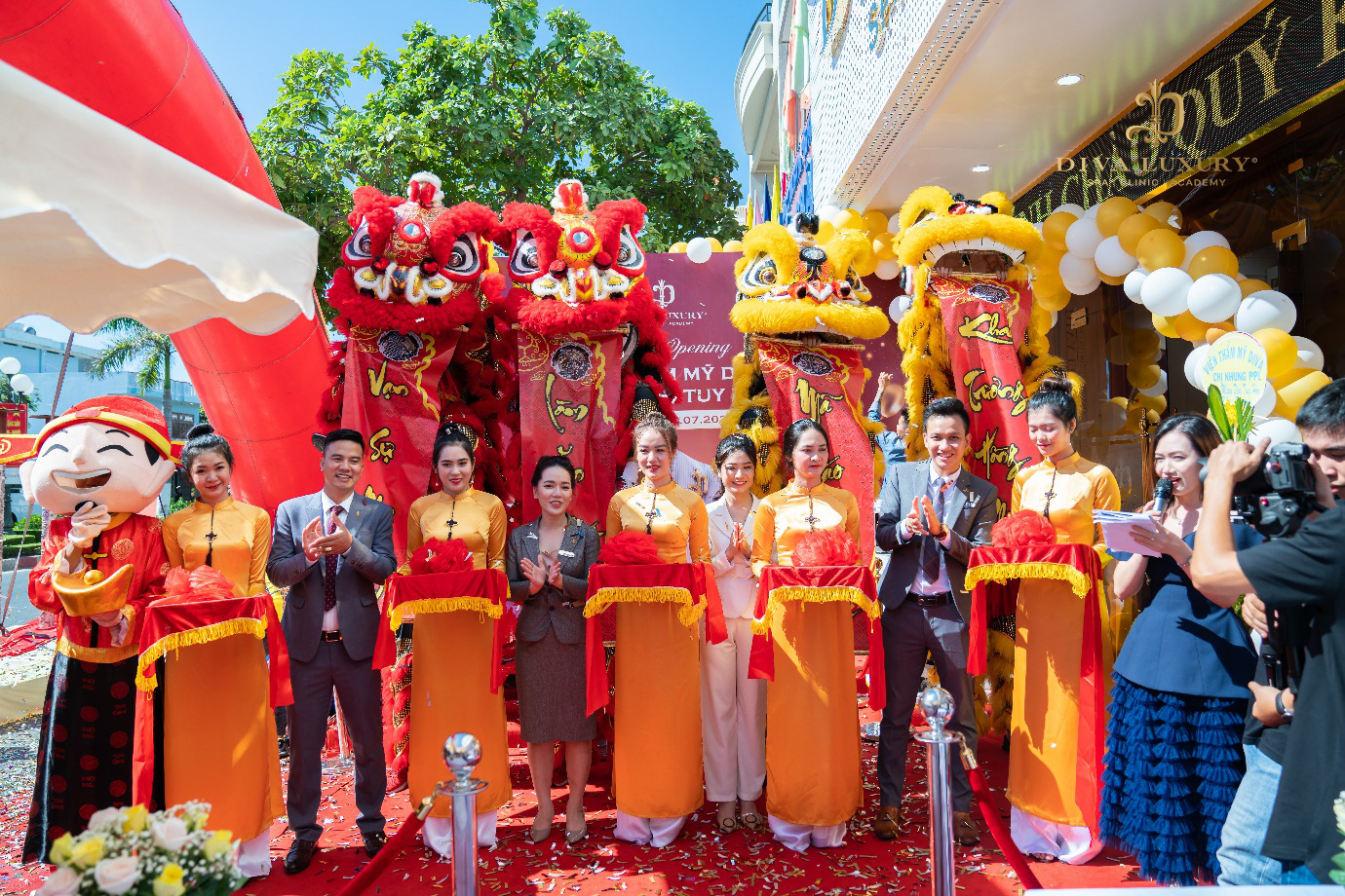 Viện thẩm mỹ DIVA Phú Yên kín khách trong ngày đầu khai trương - Ảnh 3.