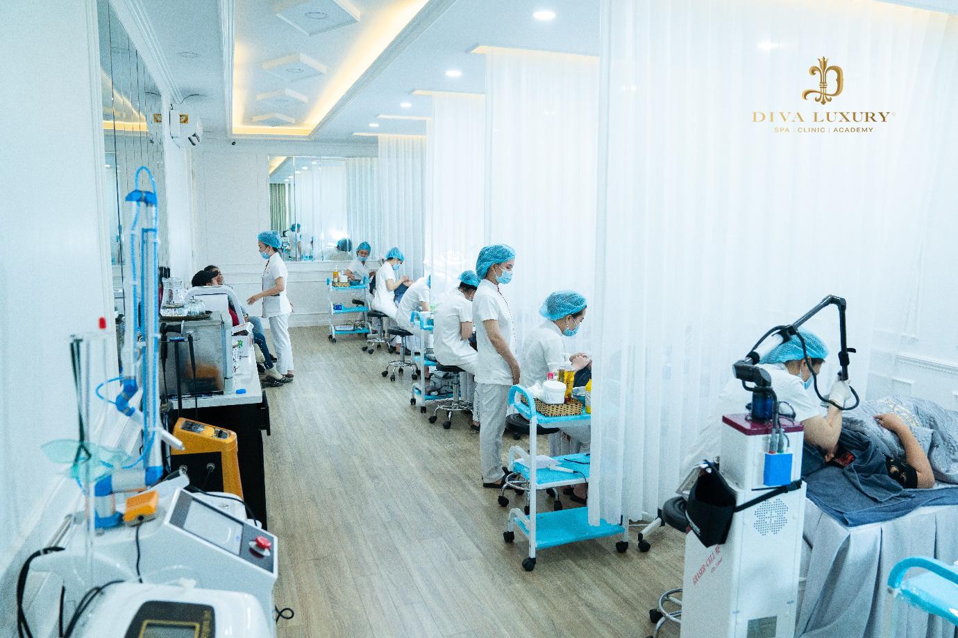 Viện thẩm mỹ DIVA Phú Yên kín khách trong ngày đầu khai trương - Ảnh 6.
