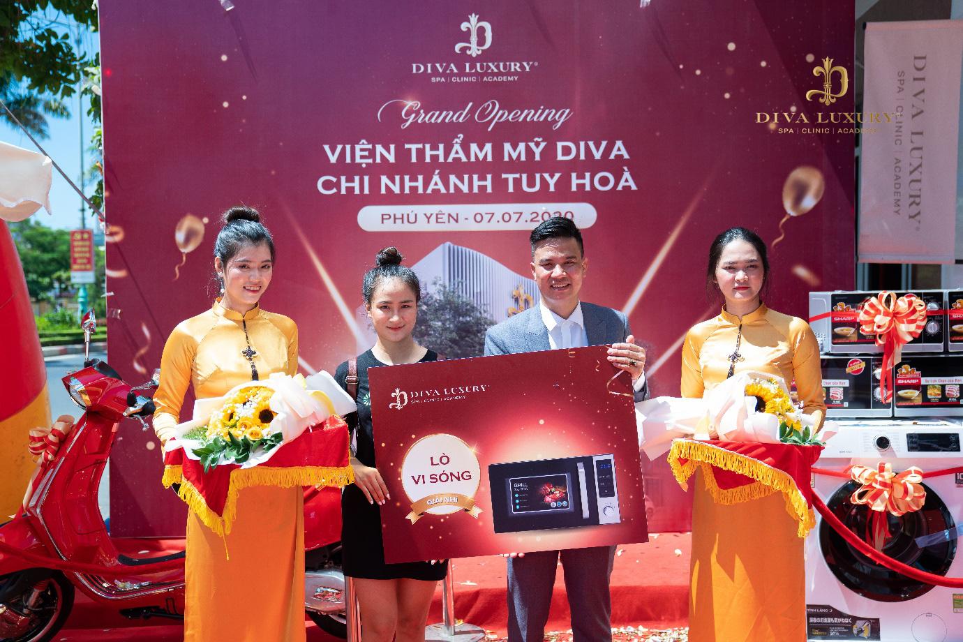 Viện thẩm mỹ DIVA Phú Yên kín khách trong ngày đầu khai trương - Ảnh 8.