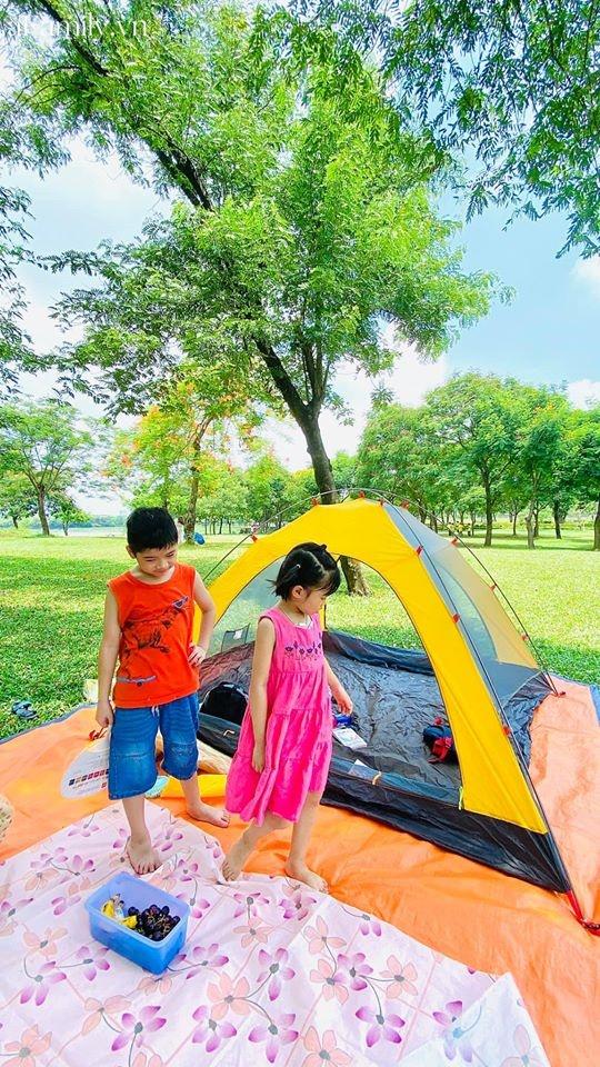 Ngay ở trung tâm Hà Nội có 1 công viên rộng mênh mông, đầy cây xanh - điểm dã ngoại tuyệt vời cho trẻ nhỏ - Ảnh 2.