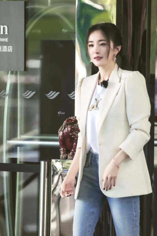 Bị hù dọa mà Dương Mịch sống chết ngồi 1 chỗ, Đặng Luân kéo lê cô cả mét khiến netizen dậy sóng - Ảnh 7.