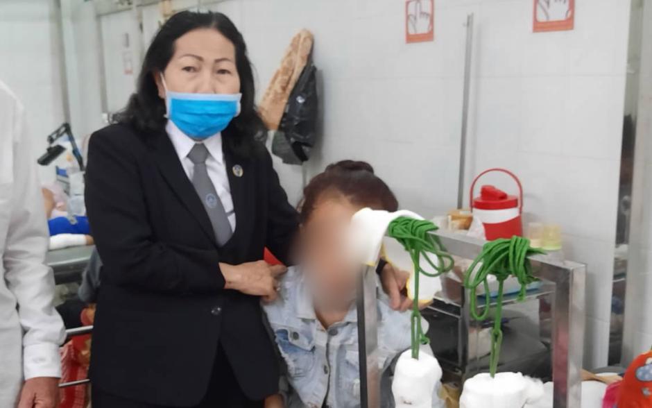 """TP.HCM: Mẹ bàng hoàng phát hiện con gái 14 tuổi mang thai 7 tuần, người bị """"tố"""" xâm hại không thừa nhận"""