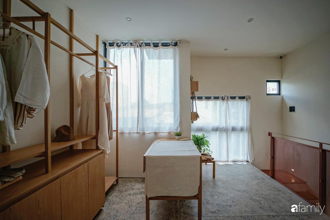 Ngôi nhà phố thiết kế khác biệt để mang đến những điều đặc biệt cho cuộc sống của gia đình trẻ ở TP HCM - Ảnh 12.
