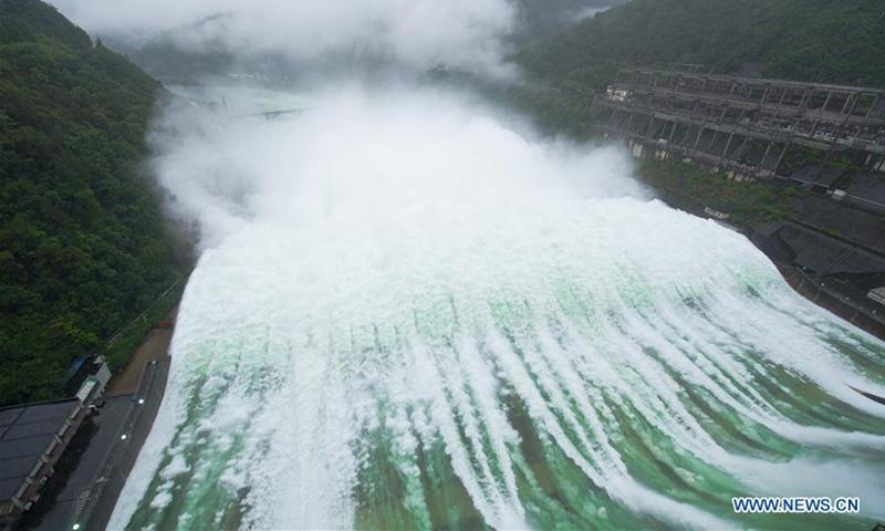 Hồng thủy tấn công: Điều khiến Trung Quốc khóc hận khi hệ thống hồ chứa cả nước thất thủ - Ảnh 2.