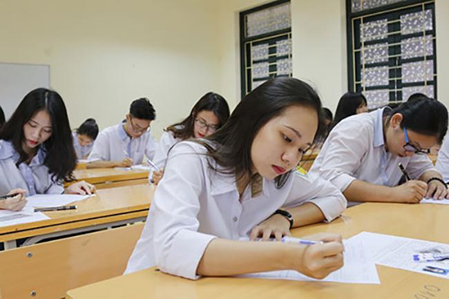 """Hé lộ đề thi HSG Quốc gia môn Văn qua các năm: Đề nào cũng """"sắc như dao cạo"""", thách thức mọi học sinh khi làm bài - Ảnh 1."""