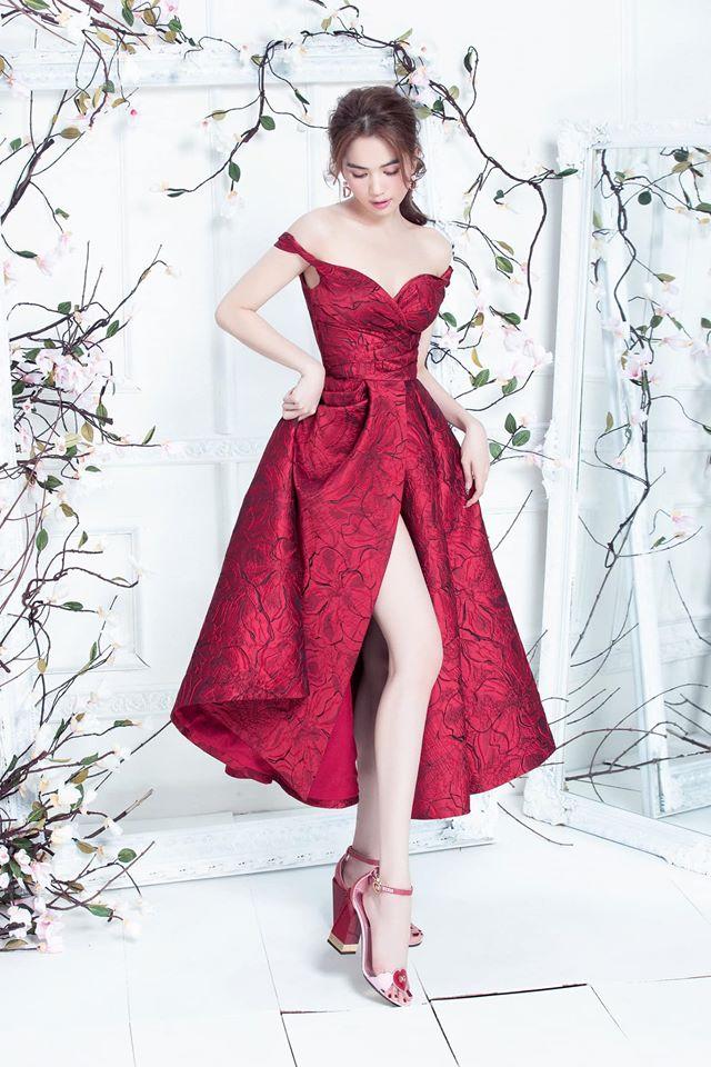 Đến Ngọc Trinh mà không áp dụng thủ thuật tạo dáng này thì điểm sexy cũng vơi đi phân nửa khi diện váy xẻ vạt - Ảnh 4.
