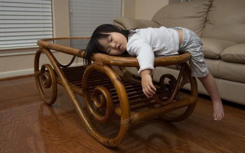 Tư thế ngủ cũng tiết lộ phần nào tính cách con người trẻ, cùng xem con bạn ngủ theo kiểu nào nhé!