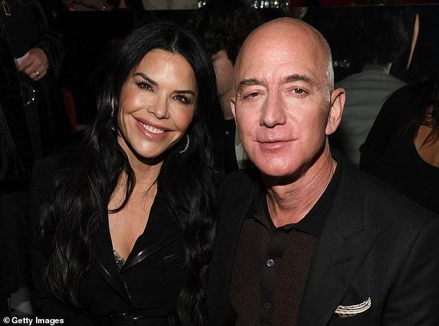 """Giữa lúc vợ cũ ngày một lên hương, được khen ngợi hết lời tỷ phú Amazon có hành động bất ngờ liên quan đến """"kẻ thứ 3"""" - Ảnh 3."""