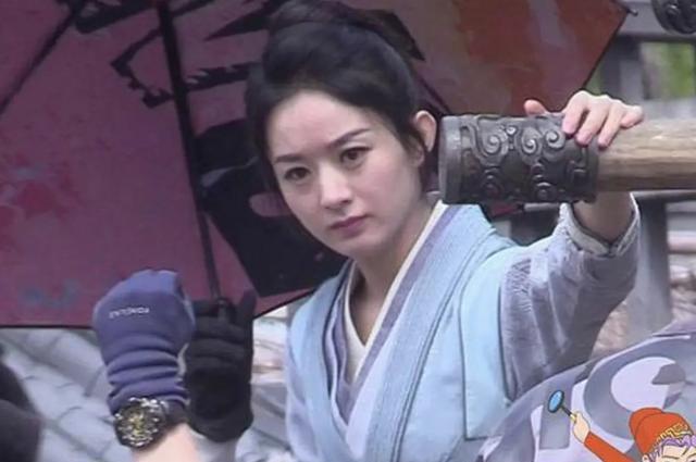 """""""Nhà hàng Trung Hoa 4"""": Triệu Lệ Dĩnh trẻ đẹp như gái 18, antifan chê cô già như mẹ Vương Nhất Bác bị mắng ngược - Ảnh 8."""