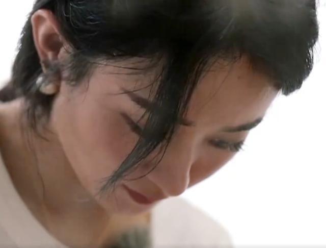 """""""Nhà hàng Trung Hoa 4"""": Loạt ảnh góc nghiêng tuyệt đẹp của Triệu Lệ Dĩnh, khóc trên truyền hình mà không cho ai biết  - Ảnh 6."""
