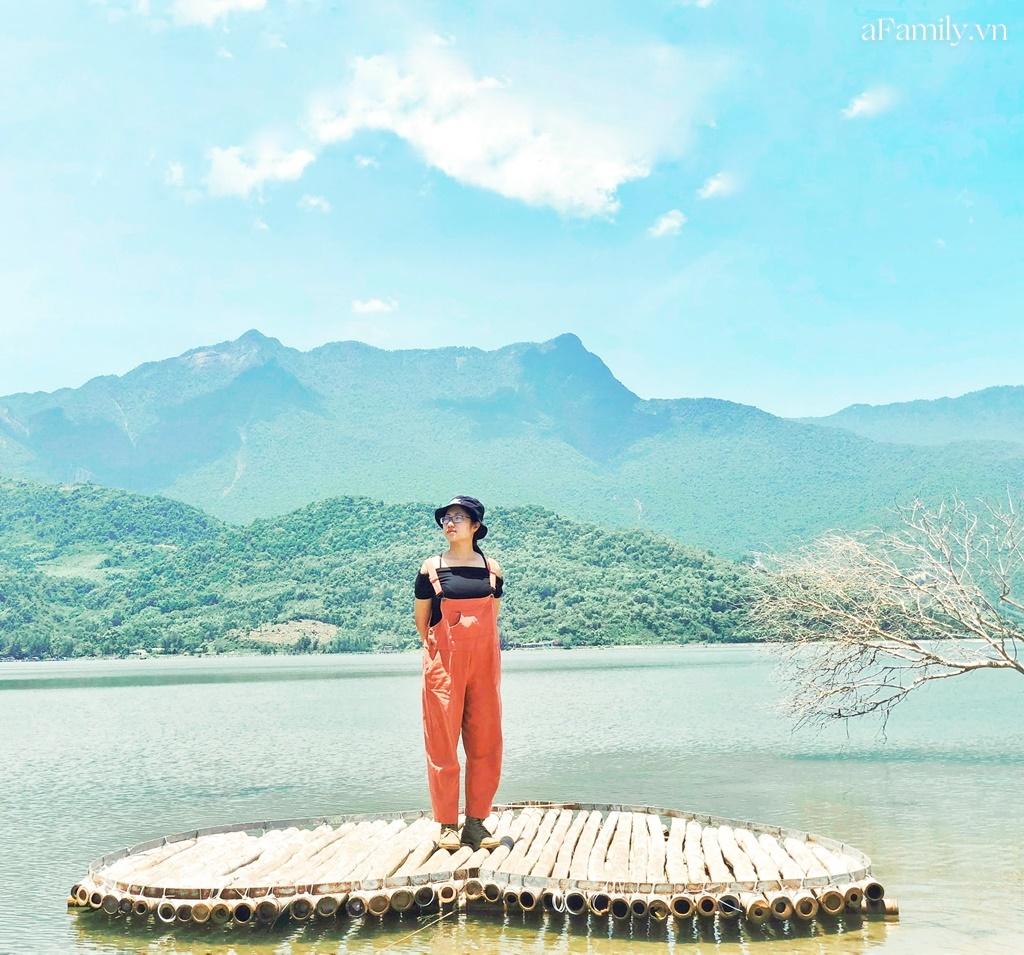 """Cô nàng độc thân 26 tuổi lần đầu đi xuyên Việt bằng xe máy với 7 triệu và 17 ngày: Cả tuổi trẻ dành để """"đi bụi"""", sống không dũng cảm uổng phí thanh xuân! - Ảnh 12."""