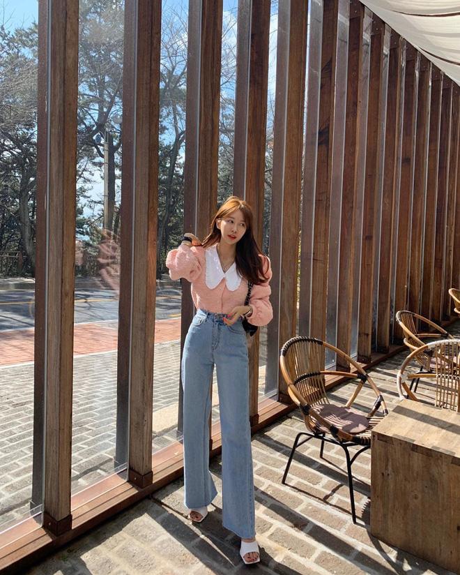 Item bình dân duy nhất trong set đồ của  Seo Ye Ji suốt cả bộ phim: Kiểu quần jeans hack chân dài cực đỉnh mà chị em nào cũng nên có - Ảnh 9.