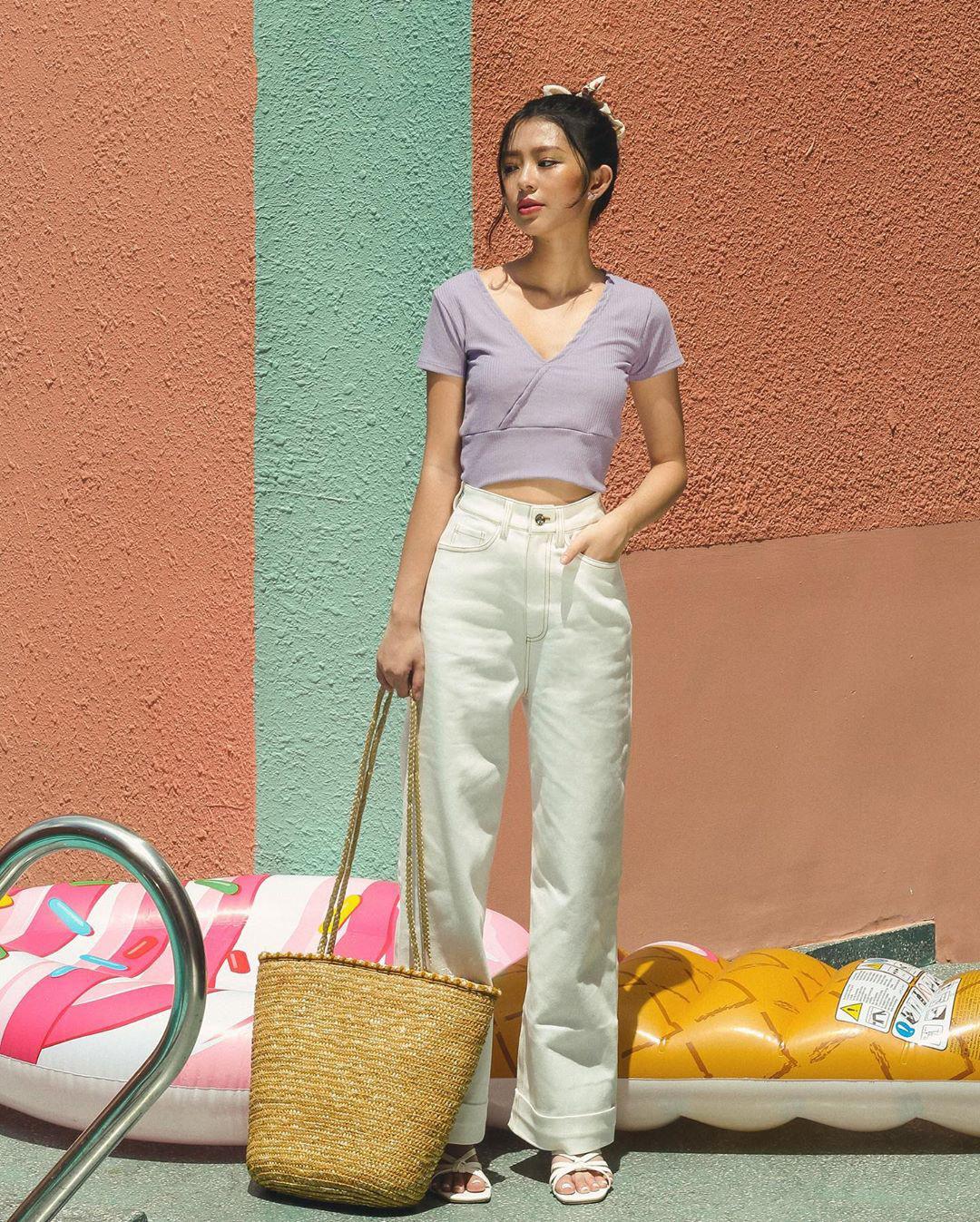 """4 chiêu mặc đẹp với quần jeans trắng bạn nhất định phải """"găm"""" nếu muốn cải tổ style bình bình - Ảnh 7."""
