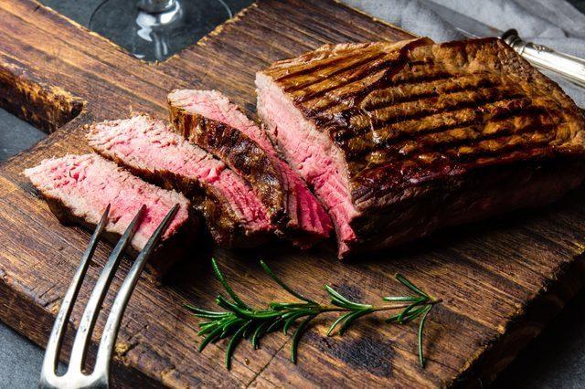 """5 loại thực phẩm có thể """"hút bớt"""" canxi của cơ thể cực nhanh, toàn món ngon bạn hay ăn hàng ngày nhưng nếu chủ quan sẽ gây loãng xương, mất cơ bắp - Ảnh 4."""