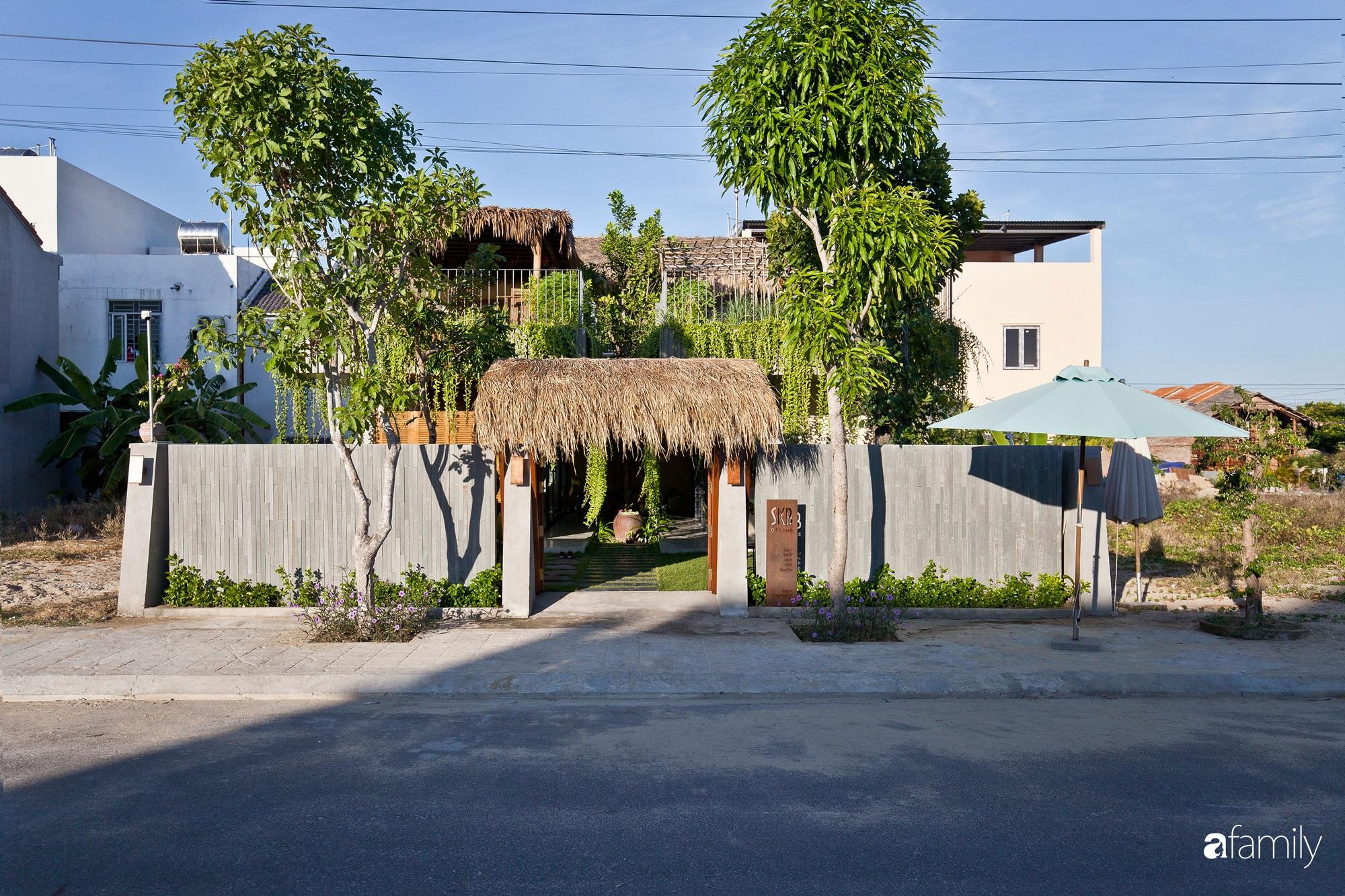 """Nhà vườn mái tranh rộng 200m² với một không gian sống """"hoàn hảo"""" giữa phố thị Hội An"""