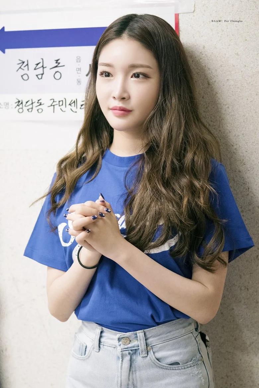 5 idol sắc sảo khi trang điểm nhưng hóa em bé khi để mặt mộc: Jennie xinh đẹp bất chấp, Hwasa - Ảnh 28.
