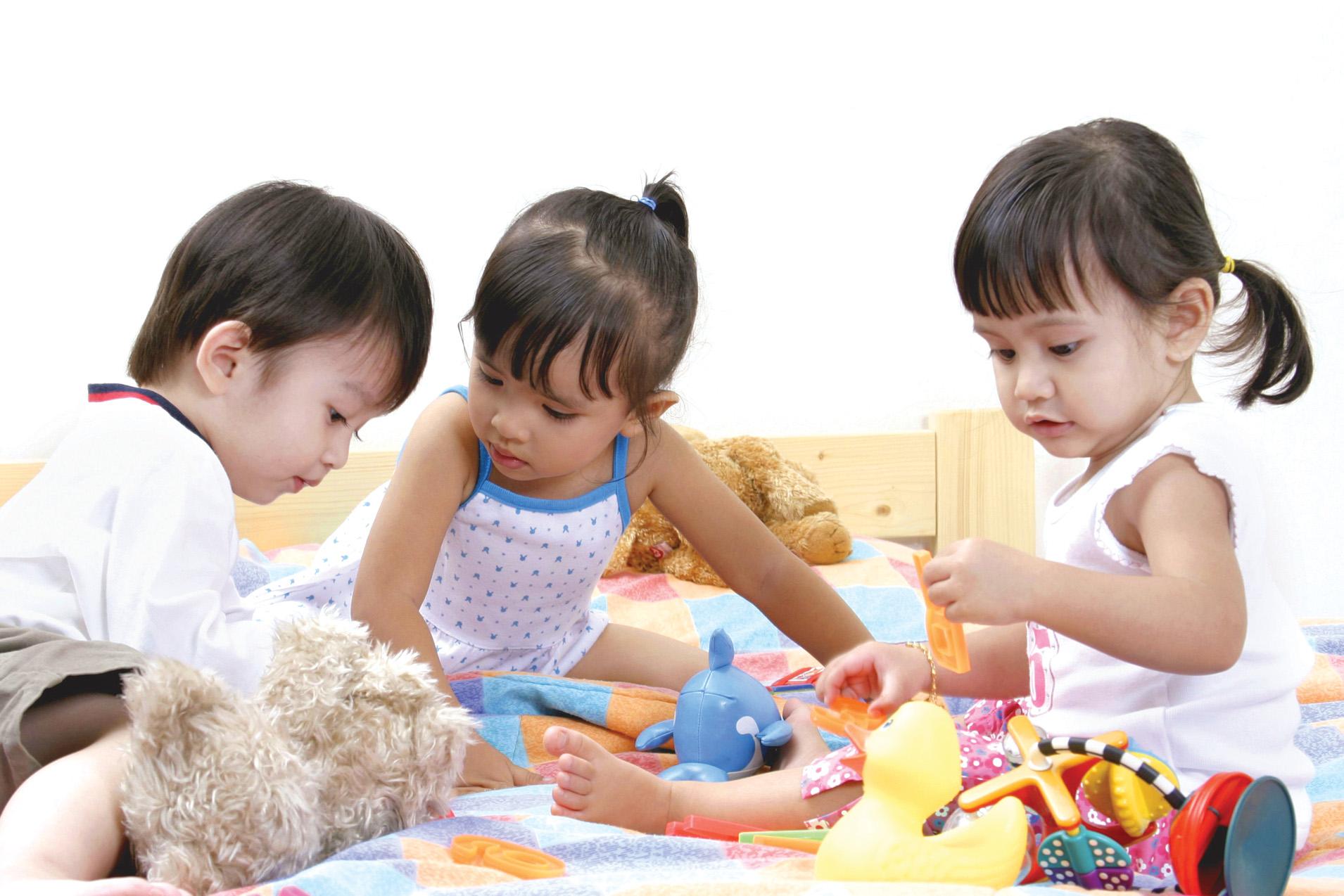 Khả năng tập trung của trẻ yếu kém là do người lớn cứ làm những điều này mà không biết - Ảnh 2.