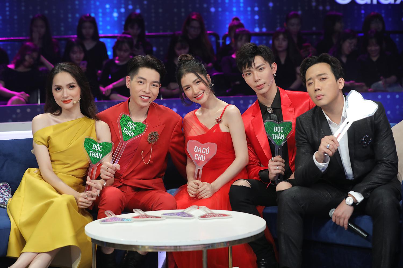 Lynk Lee đụng hàng với Hương Giang: Hoa hậu chuyển giới vẫn lấn át một bậc nhờ độ sang chảnh - Ảnh 5.