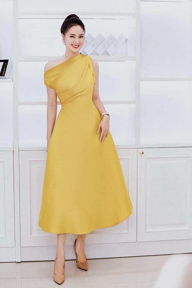Lynk Lee đụng hàng với Hương Giang: Hoa hậu chuyển giới vẫn lấn át một bậc nhờ độ sang chảnh - Ảnh 8.