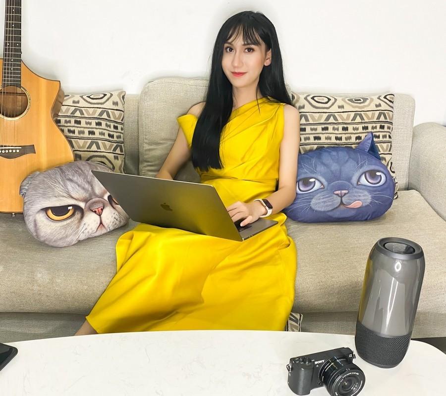 Lynk Lee đụng hàng với Hương Giang: Hoa hậu chuyển giới vẫn lấn át một bậc nhờ độ sang chảnh - Ảnh 1.