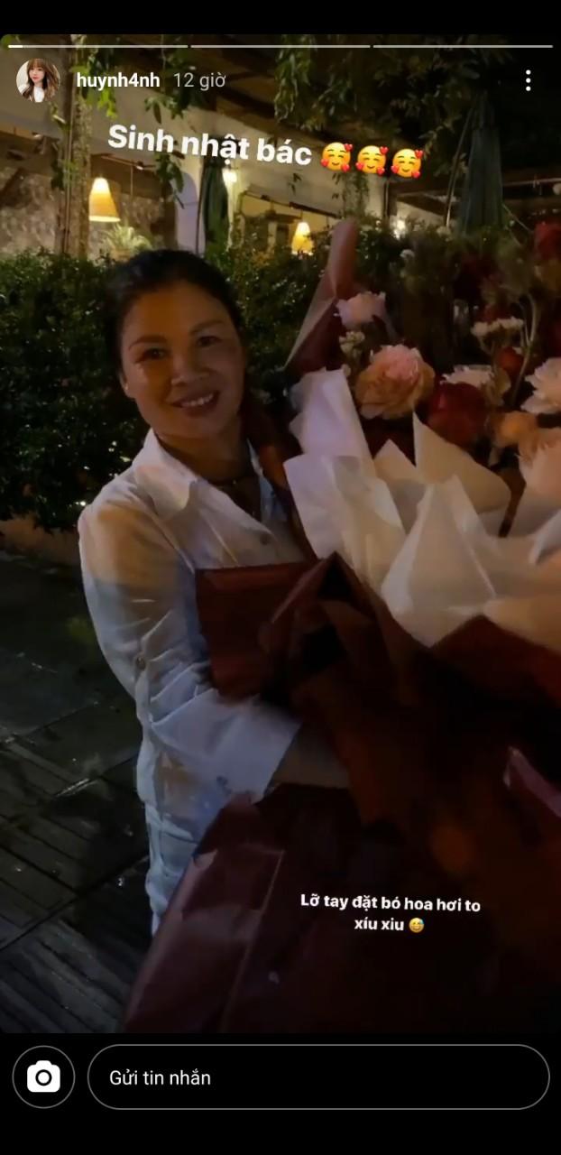 Huỳnh Anh dự tiệc sinh nhật mẹ Quang Hải, còn chuẩn bị hẳn một món quà hấp dẫn mà bất kể người phụ nữ nào nhìn cũng thích mê - Ảnh 1.