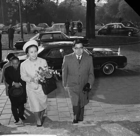Điều ít biết về nàng dâu sắc nước hương trời của hoàng gia Nhật Bản, khí chất khó ai bì kịp, không sinh con vẫn được gia đình chồng nể trọng - Ảnh 12.