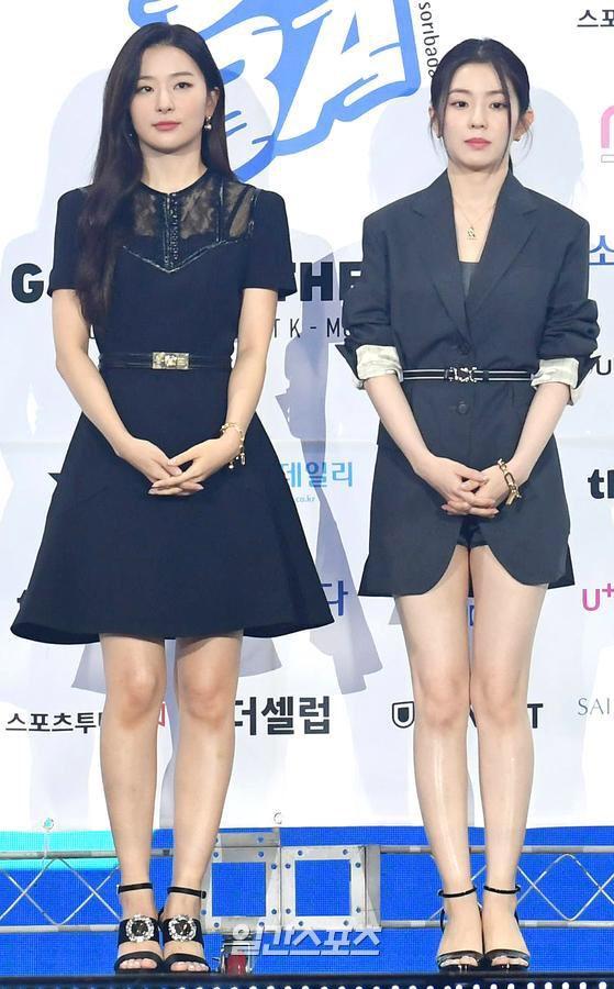 """Đụng váy với """"điên nữ"""" Seo Ye Ji mà Irene chẳng hề lép vế, thậm chí còn lất át về độ trẻ trung, sexy - Ảnh 1."""